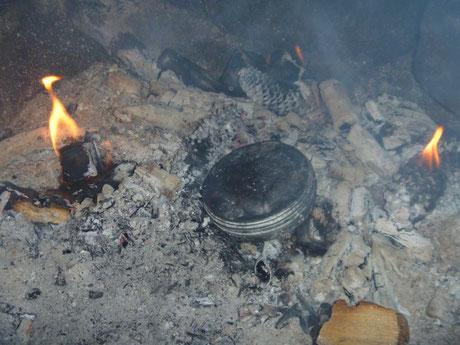 Zunder herstellen, char cloth, Zunderschwamm, Bushcraft Feuer entzünden