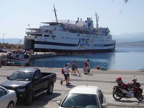 Notre bateau pour la traversée Gythion-Kissamos