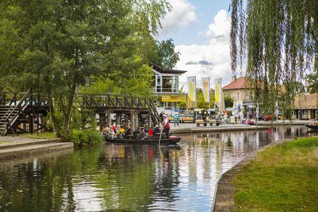 Der große Hafen in Lübbenau ist der bekannteste Hafen im Spreewald