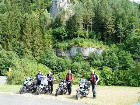 """v.l. """"Road-Chief"""" Ludwig Schmitt, Uli Mohr, Werner Moschüring und """"Harry"""" Hirsch."""