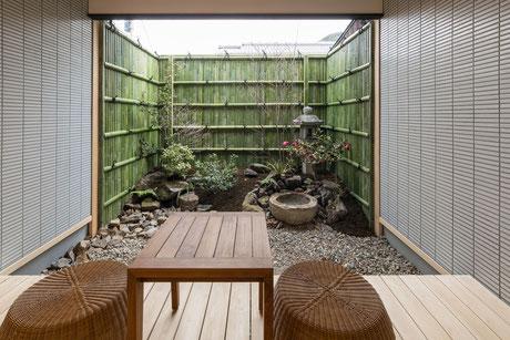 庭を眺められるお部屋