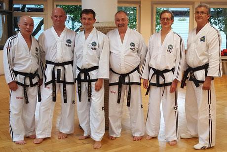 von links Großmeister Kim-Lan Ung, Werner Zobel, Martin Pudlo, Ralf Rautert, Großmeister Rolf Becking und  Meister Sveto Keser.