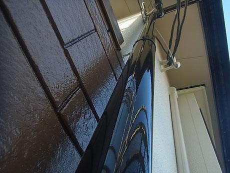 熊本市K様家の竪樋塗装完成です。ブラックカラー仕上げ高耐久塗料使用。