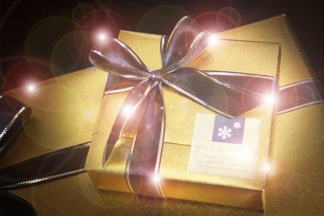 彼氏彼女、大切なお友達の誕生日・記念日クリスマスなどの謎解きを使ったサプライズプレゼントの感動的で面白い盛り上がる渡し方ランキング。