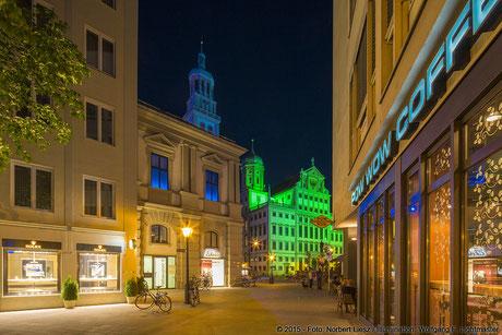 "Illumination Stadt Augsburg - Rathaus Pow Wow - ""Augsburg strahlt"" Stadtillumination Augsburg 05.08. bis 09.08.2015 © 2015 - Foto: Norbert Liesz / Illumination: Wolfgang F. Lightmaster"