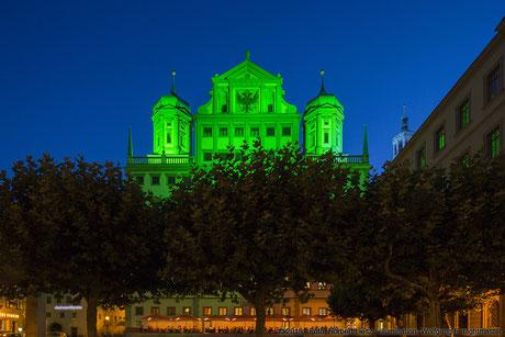 """Illumination Stadt Augsburg - Rathaus - """"Augsburg strahlt"""" Stadtillumination Augsburg 05.08. bis 09.08.2015 © 2015 - Foto: Norbert Liesz / Illumination: Wolfgang F. Lightmaster"""