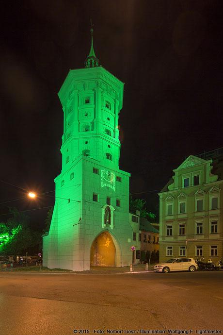"""Illumination Stadt Augsburg - Wertachbrucker Tor - """"Augsburg strahlt"""" Stadtillumination Augsburg 05.08. bis 09.08.2015 © 2015 - Foto: Norbert Liesz / Illumination: Wolfgang F. Lightmaster"""