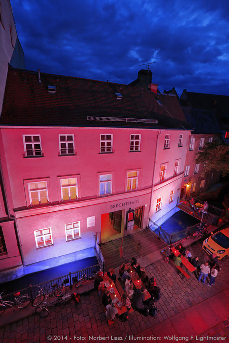 Stadtillumination - Illumination - Kanal Brechthaus Stadt Augsburg © 2014 - Foto: Norbert Liesz / Illumination: Wolfgang F. Lightmaster