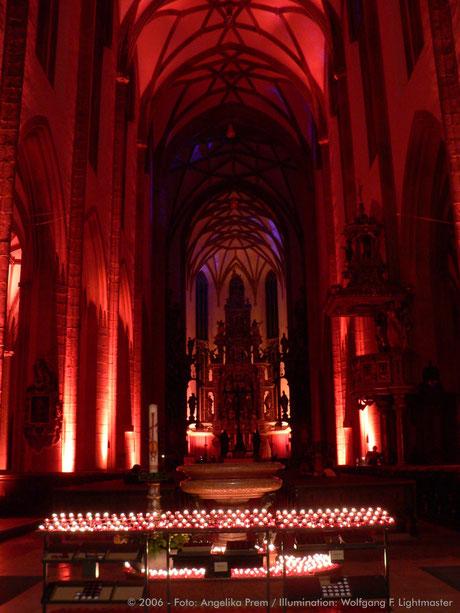 "Stadtillumination - Illumination - Basilika St. Ulrich und Afra ""Ulrichskirche"" Stadt Augsburg © 2006 - Foto: Angelika Prem / Illumination: Wolfgang F. Lightmaster"