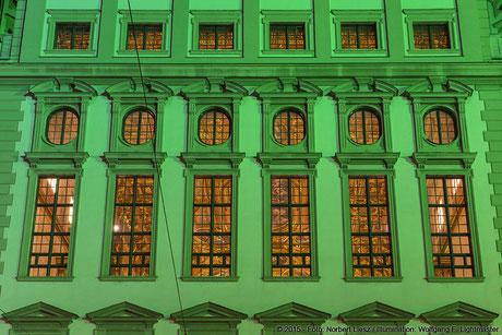 "Illumination Stadt Augsburg - Rathaus Goldener Saal - ""Augsburg strahlt"" Stadtillumination Augsburg 05.08. bis 09.08.2015 © 2015 - Foto: Norbert Liesz / Illumination: Wolfgang F. Lightmaster"