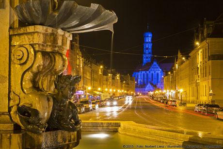 "Illumination Stadt Augsburg - Basilika St. Ulrich und Afra ""Ulrichskirche"" - ""Augsburg strahlt"" Stadtillumination Augsburg 05.08. bis 09.08.2015 © 2015 - Foto: Norbert Liesz / Illumination: Wolfgang F. Lightmaster"