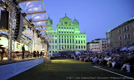 Stadtillumination - Illumination - Rathaus Stadt Augsburg © 2011 - Foto: Siegfried Kerpf / Illumination: Wolfgang F. Lightmaster
