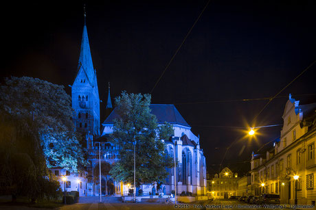 "Illumination Stadt Augsburg - Hoher Dom zu Augsburg - ""Augsburg strahlt"" Stadtillumination Augsburg 05.08. bis 09.08.2015 © 2015 - Foto: Norbert Liesz / Illumination: Wolfgang F. Lightmaster"