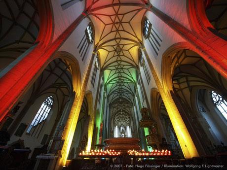 "Stadtillumination - Illumination - Basilika St. Ulrich und Afra ""Ulrichskirche"" Stadt Augsburg © 2007 - Foto: Hugo Fössinger / Illumination: Wolfgang F. Lightmaster"
