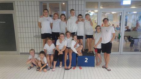 Die Aktiven beim Braker Adventsschwimmen