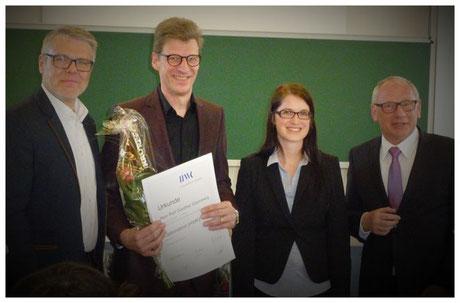 Feierliche Urkunden-Übergabe zur bestandenen Optometristen-prüfung an der ZVA Akademie Knechtsteden; April 2016.