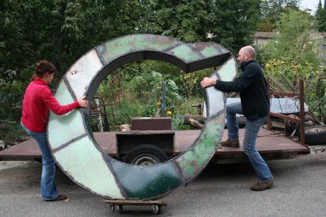 transport sculpture monumentale, metal art, David Vanorbeek, vendue à la Mairie de Châteaubourg