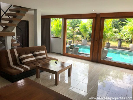 Siyut house for sale just on a short walking distance from the beach.