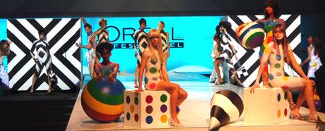 Maquillajes corporales, escenografía y atrezo. Desfile Marco Aldani para LOREAL