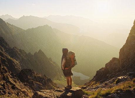Glückskompetenz, 10 Gründe, warum Reisen glücklich macht, Glückstraining