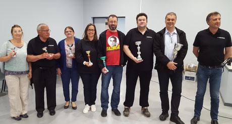 les vainqueurs par série - B. Caro 2e en partant de la dr. - le Maire de St Gatien à dr.