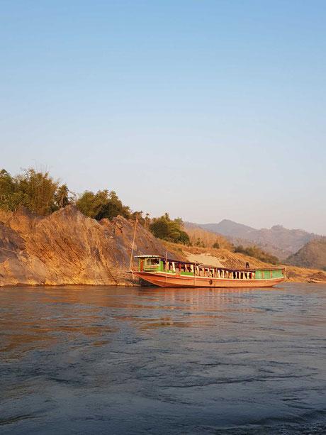 Mit dem Slow Boat von Huay Xai nach Luang Prabang