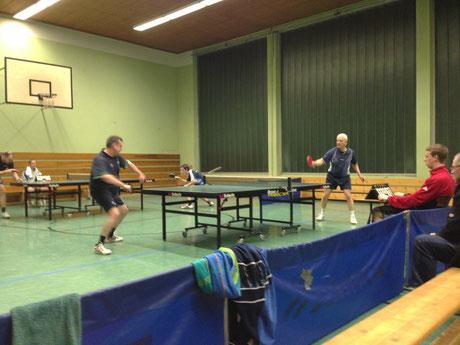 Helmut und Zino zeigten Nervenstärke und leiteten mit ihren Siegen den Schlusssprint für die Dritte ein