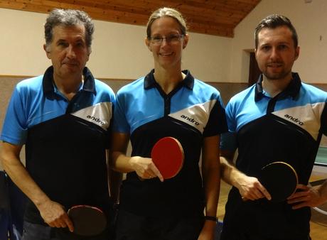 Siegfried Föllerer, Martina Wilder und Christopher Stranzl bilden die Stammmannschaft von Sierndorf/2.