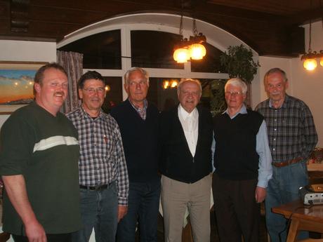 Von links: Christian Jahner, Wolfgang Bittner, Dr. Wolfgang Scherzinger, Karl Gugg, Peter Friedrich (Vorsitzender), Jochen Goldmann