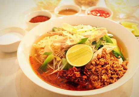 Thai Nudelsuppe Klassisch Guay Tiew Tom Yum