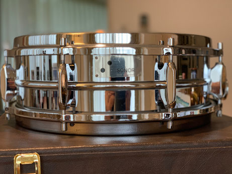 """Deluxe Chrome Snare D-444 14""""x5"""""""