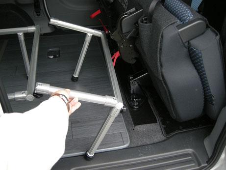 NV200 車中泊 ベッド