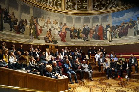 Remise du Prix 2017 dans l'Amphithéâtre d'honneur des Beaux-Arts de Paris. La fresque murale datée de 1817, signée Paul Delaroche, représente la remise annuelle des prix aux lauréats du Grand Prix de Rome.