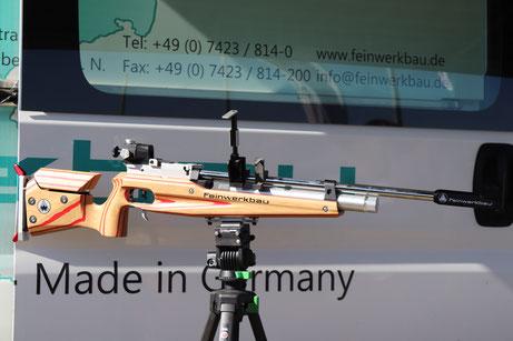 Biathlon Gewehr der Marke Feinwerkbau