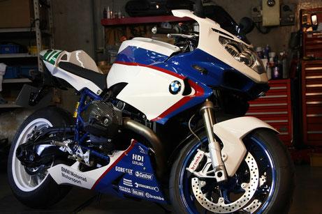 HP2スポーツ磨き後の輝き バイクのガラスコーティング カウルの研磨 埼玉