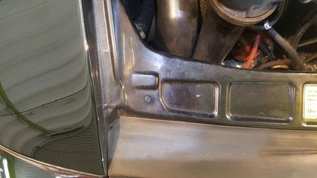 930ターボ エンジンルームの汚れ・水垢