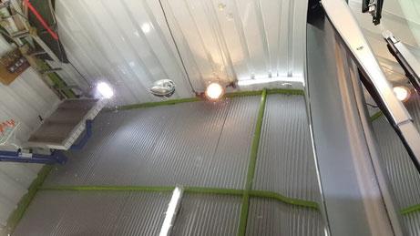 BNR34黒のボンネットのシミ除去 埼玉所沢の車磨き専門店 三芳 ウォータースポット 研磨 クレーター改善