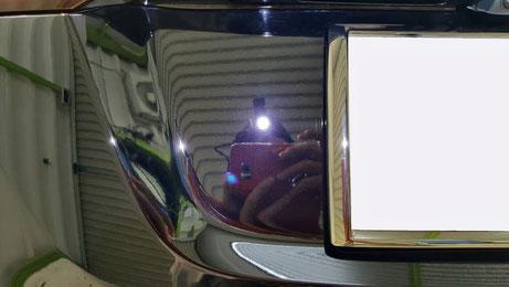 ヴェゼル黒 リアゲートのオーロラマーク・磨き傷除去 埼玉三芳の車磨き専門店