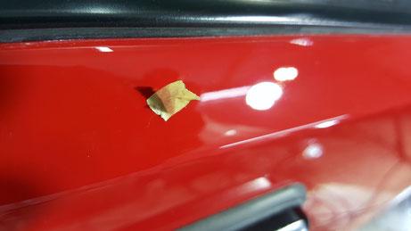 デルタHFインテグラーレ・エボルツィオーネⅡのドアの傷除去 赤い車のくすみ除去