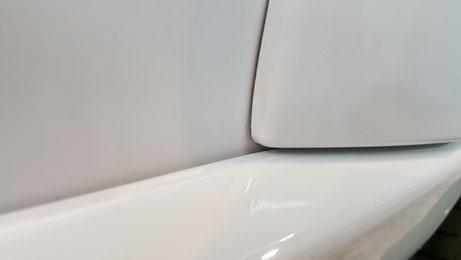 トゥインゴR.S.のフェンダー・サイドステップの隙間汚れ除去 塗装の白さが回復