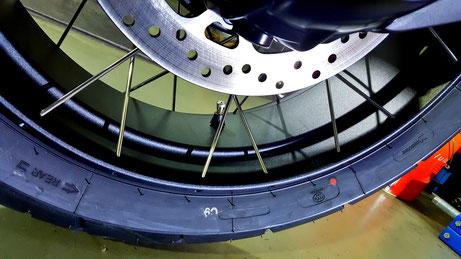 R1200GSのクロススポークホイールのコーティング バイクのホイールコーティング