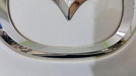 RX‐8のエンブレムの汚れ