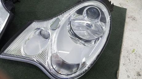 劣化で重傷の996ヘッドライトが新品のような透明感