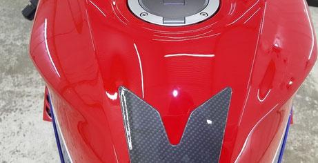 CBR1000RR‐R タンクの傷除去 埼玉のバイク磨き専門店
