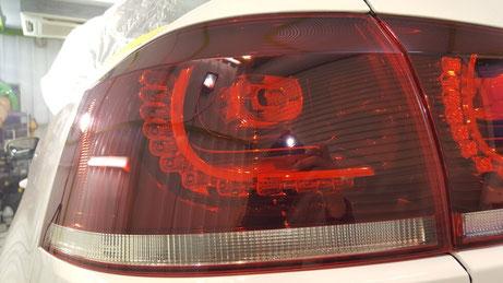 ゴルフ6カブリオレのテールランプの傷除去 埼玉の車磨き専門店 テールライトの白ボケ改善