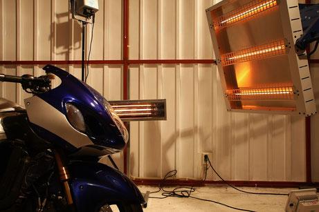 隼のガラスコーティングの焼付け ザイモールWAX バイク磨き