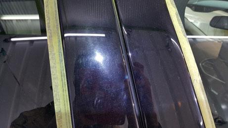 プジョー308 Bピラーの白ボケ ボディーカバーの傷