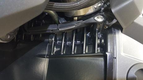 r1250gs エンジンフィンのシミ除去 埼玉のバイク磨き専門店