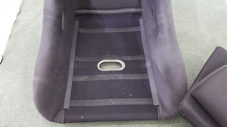 レカロRS-G座面下の汚れ・ゴミ