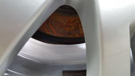ベンツCクラスのホイール洗浄 鉄粉・ブレーキダスト除去